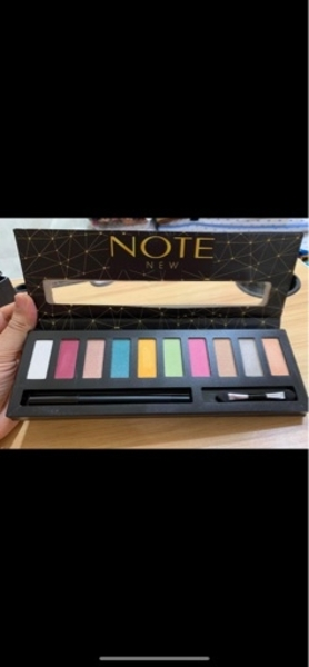 Used Makeup items any eye shades for 25 dhs in Dubai, UAE