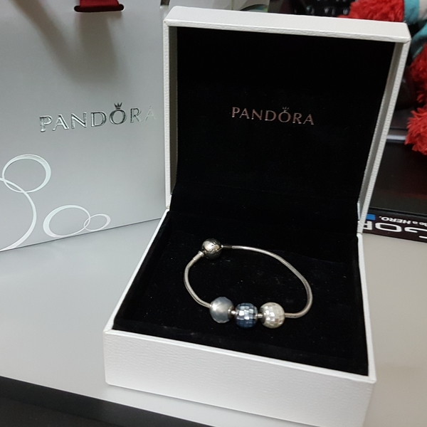 Used Pandora Essence Collection- Authentic* in Dubai, UAE