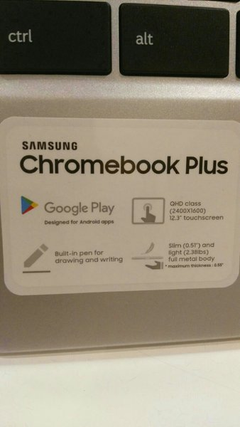 Used Samsung Cromebook Plus 32 GB 2 GB Ram 🎁 in Dubai, UAE