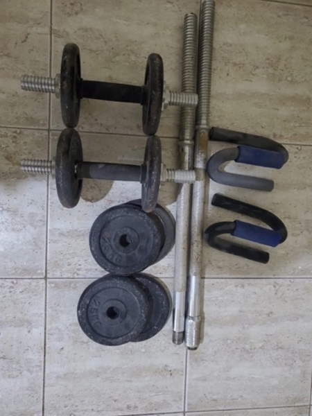 Used Dumbles and barbell set in Dubai, UAE