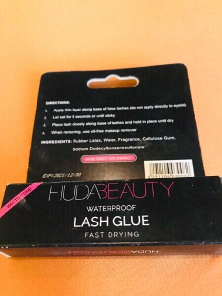 Used Huda beauty eye lashes with lash glue in Dubai, UAE