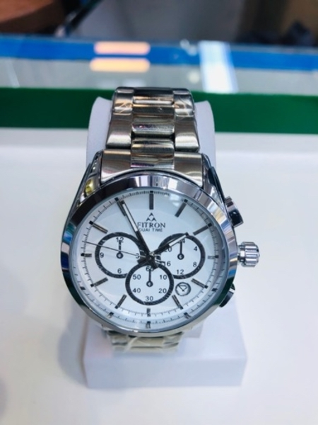 Used Stainless steel stylish watch in Dubai, UAE