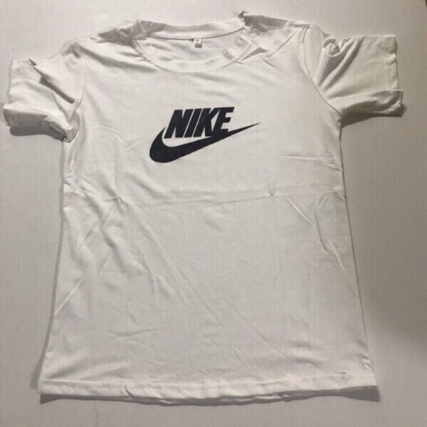 Used Nike (T-shirt) size (L) fits small in Dubai, UAE