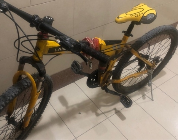 Used LAND ROVER BICYCLE 10 months use in Dubai, UAE