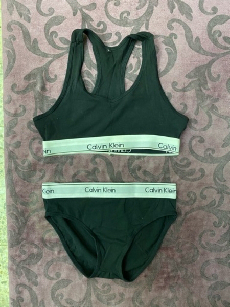Used Calvin klein set (NEW) in Dubai, UAE