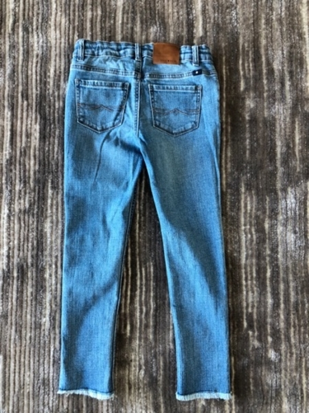Used Jeans for a girl 10 years old in Dubai, UAE