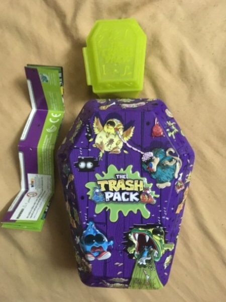 Used Legendary Trash pack (20pieces+Boxes) in Dubai, UAE