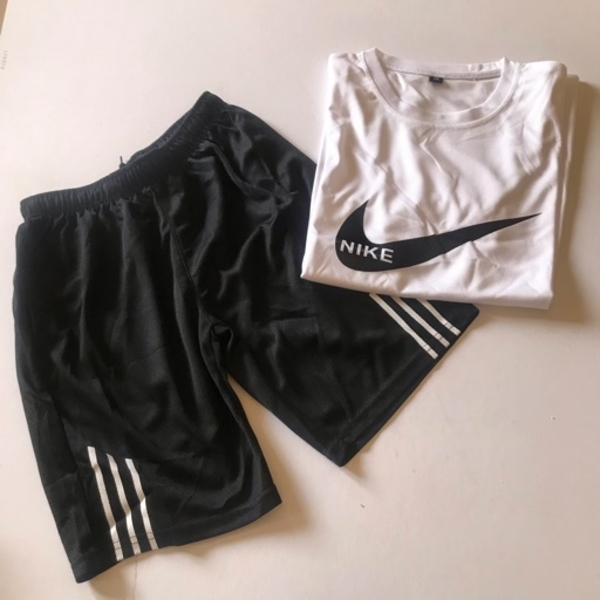 Used Tracksuit size (M)fits xs in Dubai, UAE