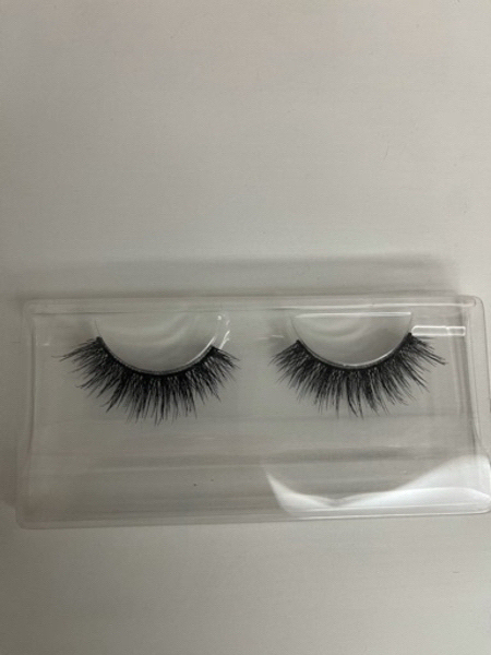 Used Eye lashes in Dubai, UAE