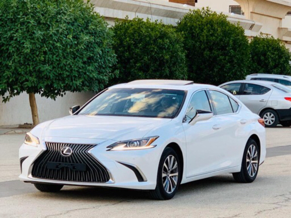 Used 2019 Lexus ES 350 in Dubai, UAE