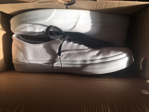 Used Vans authentic white shoes sneakers in Dubai, UAE
