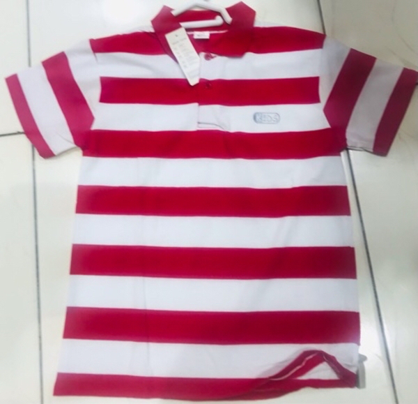 Used Kids polo cotton size 18/ 4-5 yr old ♥️ in Dubai, UAE