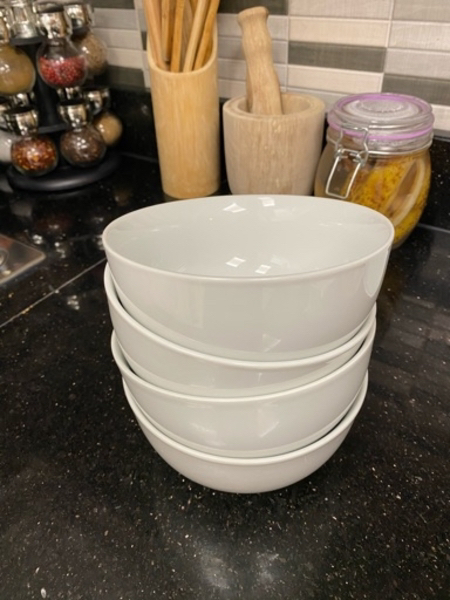 Used Bowls and small plate in Dubai, UAE