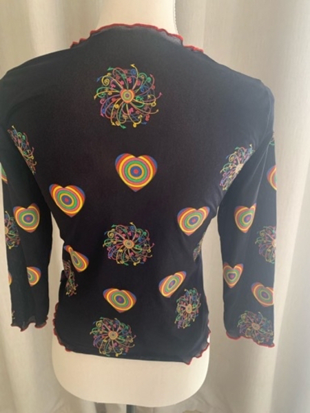 Used Lisa et Julie art top in Dubai, UAE