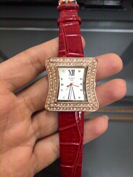 Used women watch in Dubai, UAE