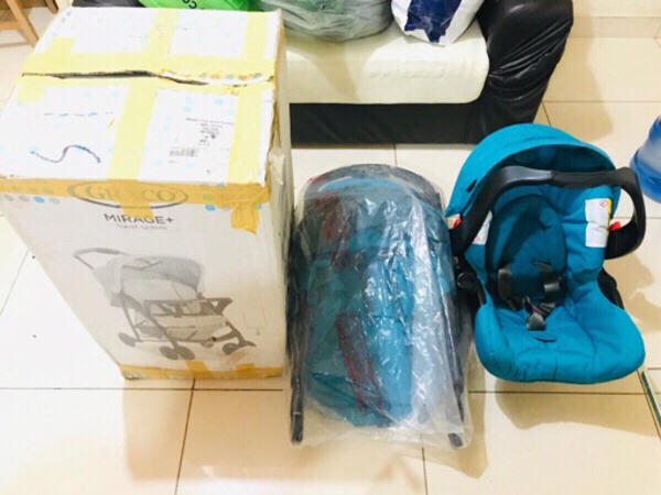 Used Baby stroller with Car seat (Graco) in Dubai, UAE