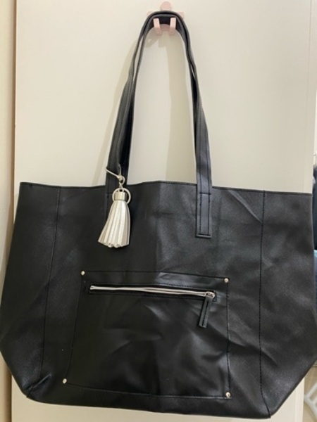 Used Black tote bag from US in Dubai, UAE