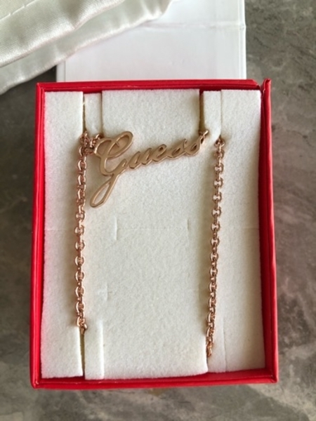 Used Guess necklace new in Dubai, UAE
