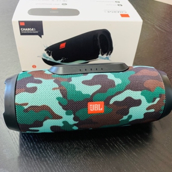 Used Charge 3 Speaker Army Color in Dubai, UAE