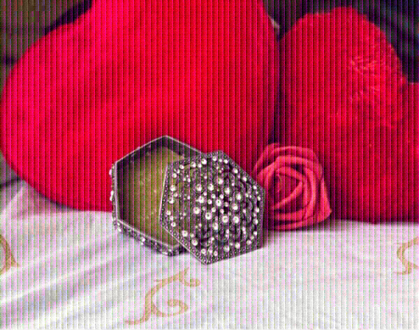 Used Royal Crystal silver jewelry container👇 in Dubai, UAE