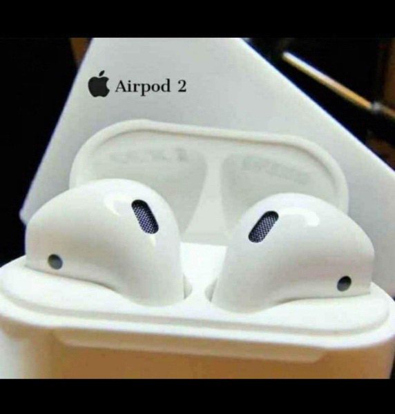 Used APPLE AIRPODS GEN2 FREE COVER DEAL IT☑️ in Dubai, UAE