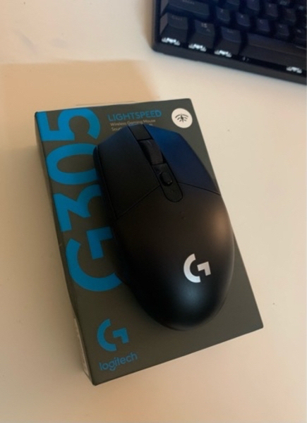Used Logitech g305 wireless gaming mouse in Dubai, UAE