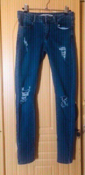 Used 3 Ripped Jeans for her size 8 ♥️ in Dubai, UAE