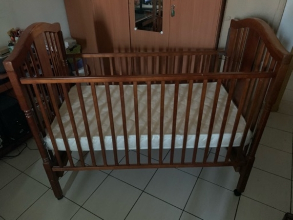 Used Wooden Baby Cot in Dubai, UAE