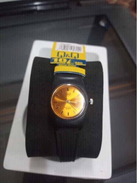 Used Q&Q 10bar 100m waterproof women watch in Dubai, UAE