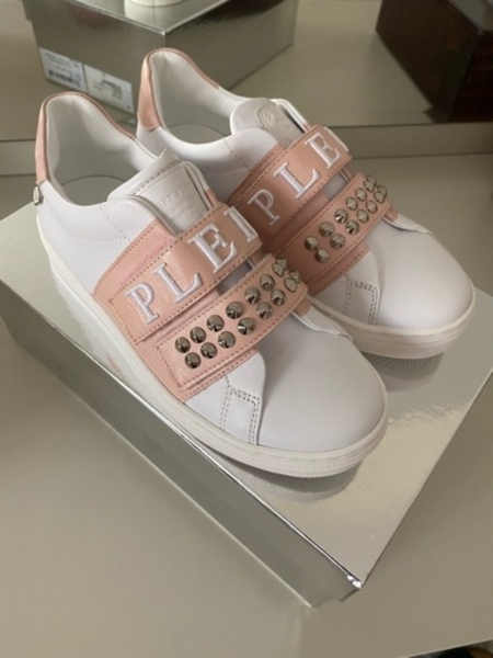 Used Philipp Plein girls sneakers size 33 in Dubai, UAE