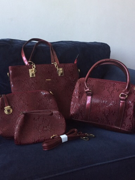 Used new bags bundle (4 pieces) in Dubai, UAE