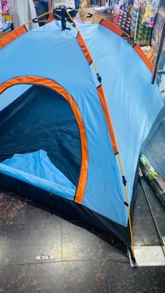 Used 4-Person Automatic Tent For Sale,New in Dubai, UAE