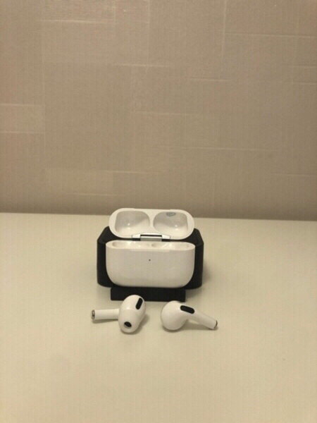 Used Great deal!!! 2 Airpods Pro White in Dubai, UAE