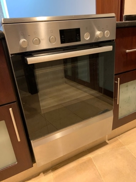 Used Bosch electric ceramic cooker in Dubai, UAE