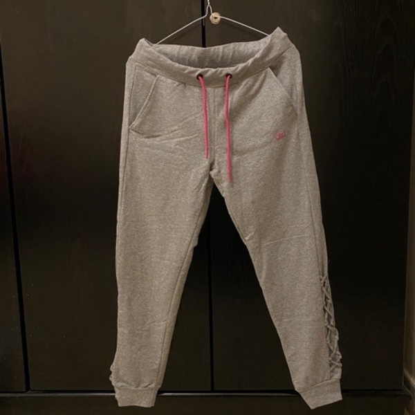 Used Jogger size M in Dubai, UAE