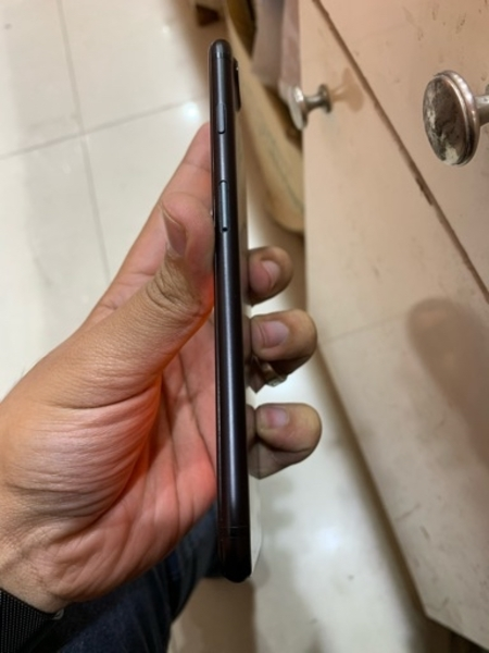 Used Apple Iphone 7 plus 128gb no finger id in Dubai, UAE