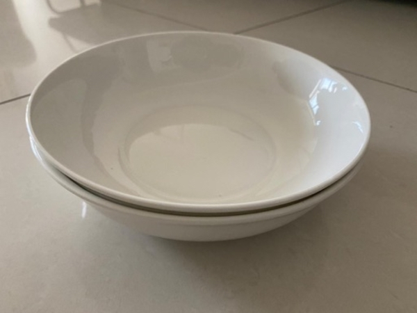 Used New 2 Pcs 9 Inch Wide Rounds Bowls in Dubai, UAE