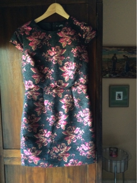 Used New dress. Label attached   Size 10 UK in Dubai, UAE