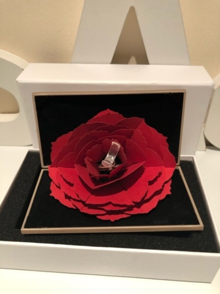 Used Jewelry ring box with rose gold in Dubai, UAE