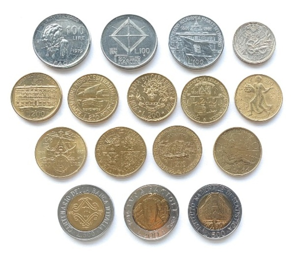 Used Old coins (prices are  /5 coins) in Dubai, UAE