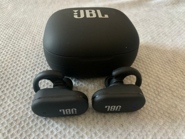 Used JBL 12TRULY  WIRELESS  IN-EAR HEADPHONES in Dubai, UAE