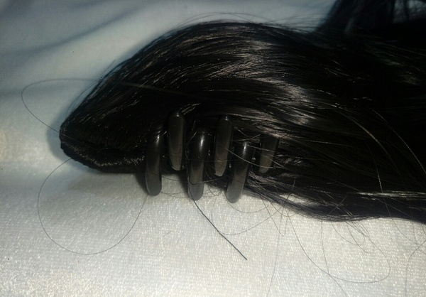 Used Clip on ponitail bundle with free gift n in Dubai, UAE