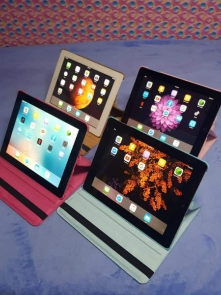 Used Apple mobile and tablet selling in Dubai, UAE