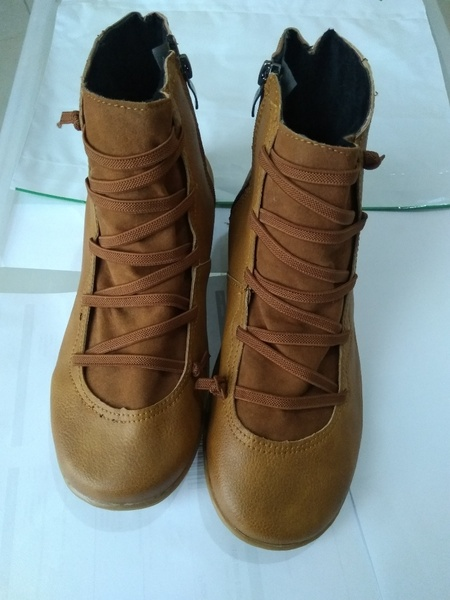 Used leather flat boots brown in Dubai, UAE