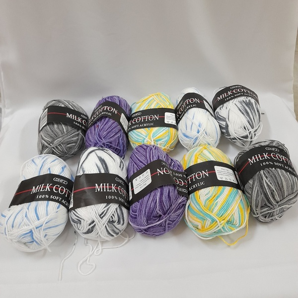 Used Colourful Hand Knitting Wool (10 Pieces) in Dubai, UAE