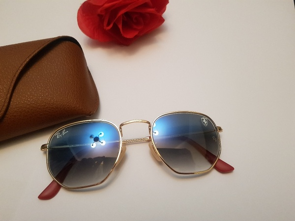 Used SUNGLASSES PSP1 in Dubai, UAE