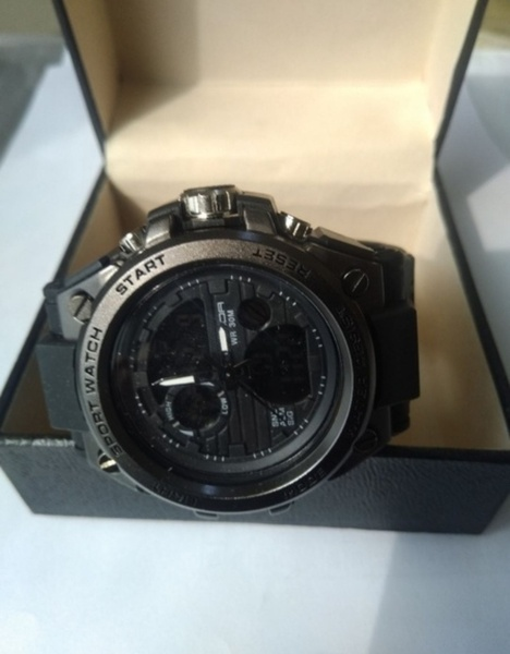 Used sports dual display watch in Dubai, UAE