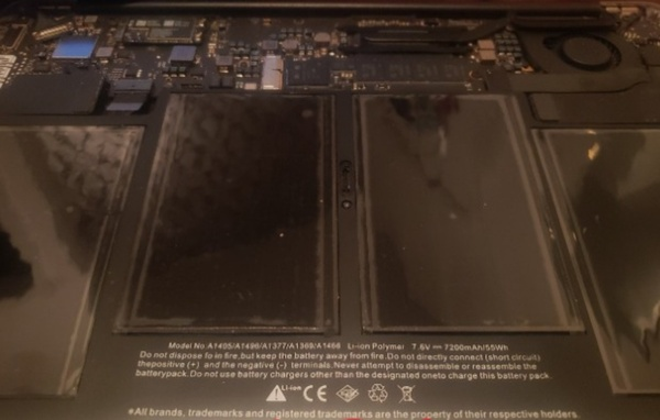 Used Mac air  pro a1466 compatible battery in Dubai, UAE