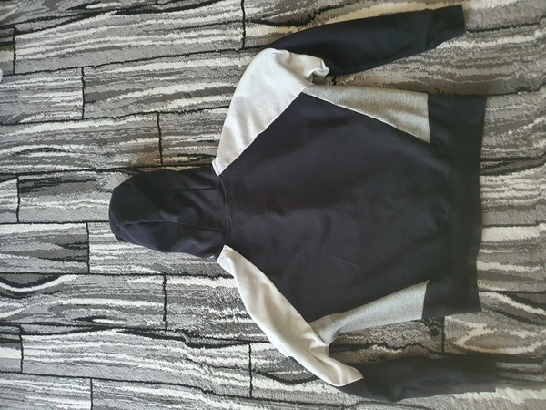 Used Nike hoodie for women Small in Dubai, UAE