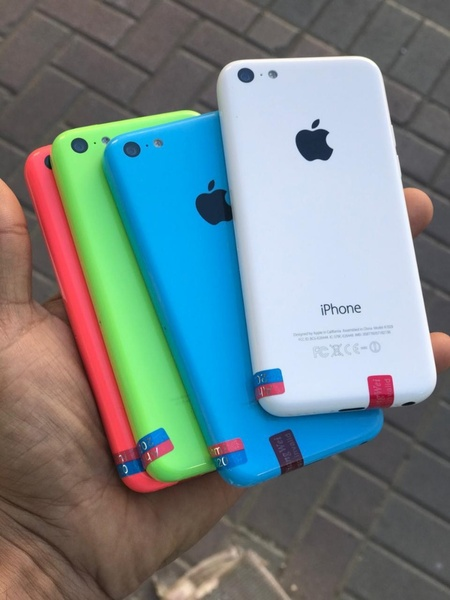 Used IPHONE 5C 32GB ELE1 LAAAAST. in Dubai, UAE